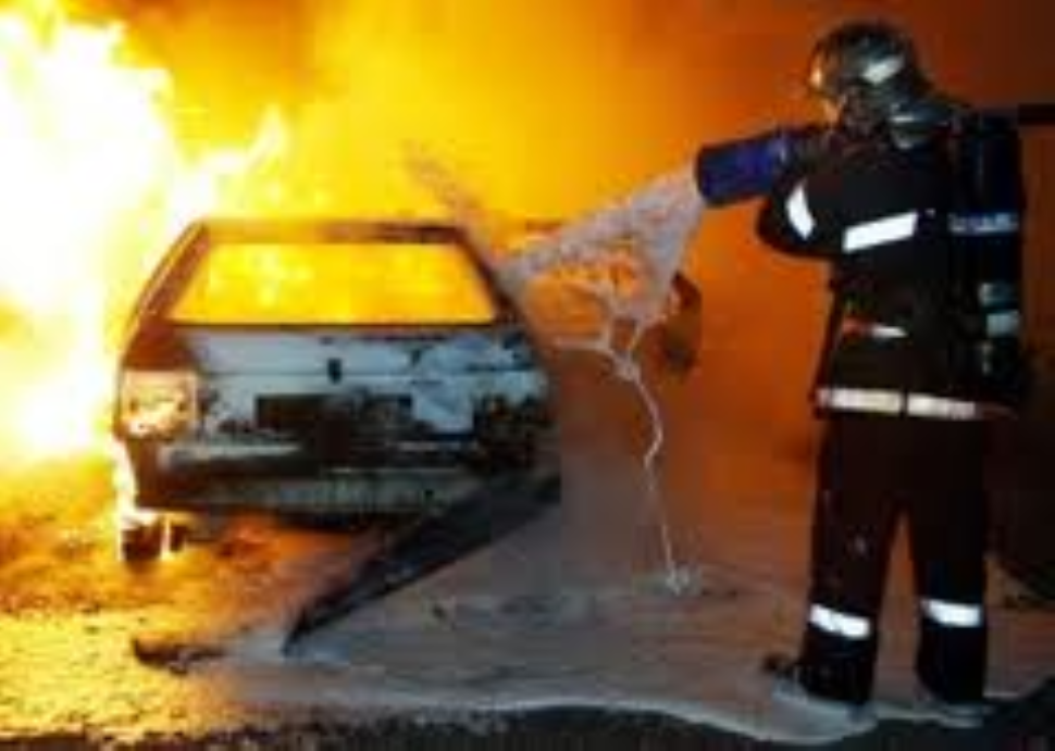 Venafro, in fiamme l'auto di un sacerdote