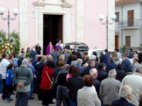 Una folla commossa per l'addio a Eugenio Trione