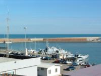 Tragedia a Termoli, la barca affonda a 200 metri dalla costa: 2 morti