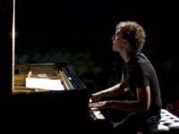 Solidarietà, Simone e Flavio Sala suonano per la Caritas