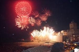 L'incendio del castello sulle note di Dalla
