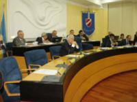 A singhiozzo il Consiglio regionale sul lavoro