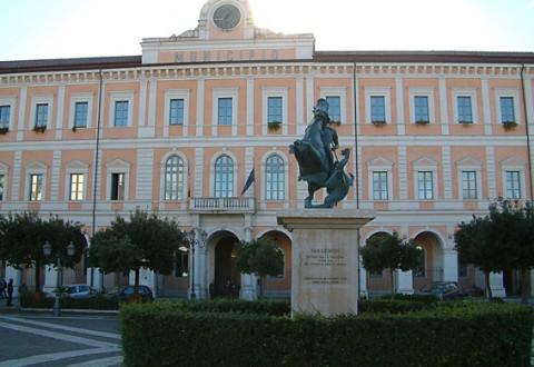Campobasso, il caso Don Milani 'spacca' la maggioranza