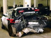 Ducato tampona auto dei Carabinieri