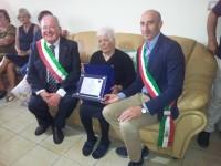 Scapoli in festa per i 100 anni di nonna Concetta
