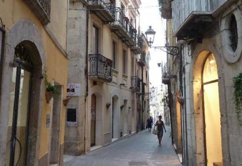 Centro storico di Isernia, l'intervento del Guerriero Sannita