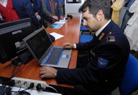 La Polizia: attenti alle cyber truffe