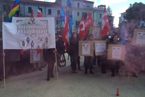 Sanità, la protesta dei lavoratori della fondazione Mileno