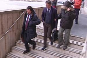 Scena muta davanti al gip per il bidello accusato di pedofilia