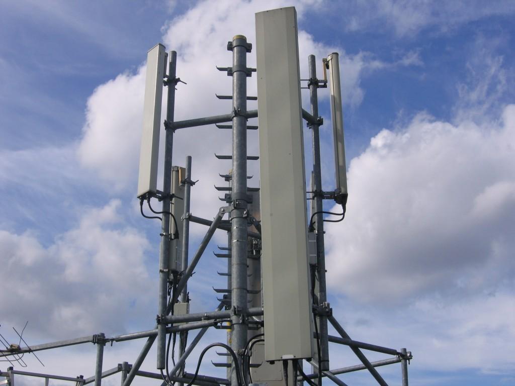 Stazione radiomobile a Duronia, consegnate 545 firme per dire 'no'