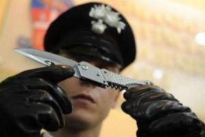 Minaccia i genitori con un coltello, 20enne isernino denunciato