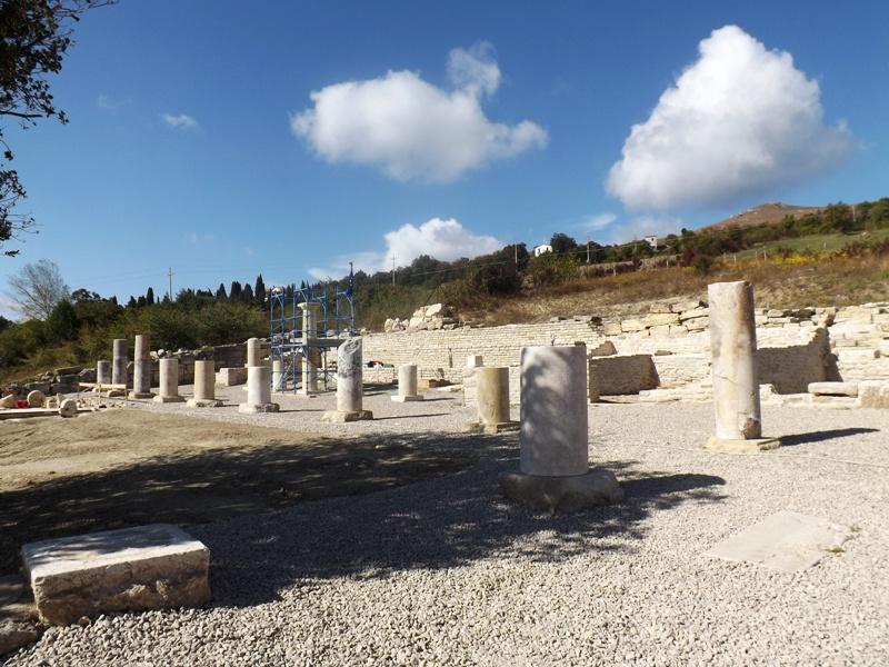 Viaggio speciale nel santuario sannita di pietrabbondante for Come aggiornare le colonne del portico anteriore