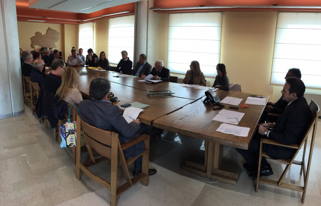 Tributi locali, Frattura incontra gli amministratori comunali