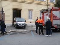 """Rogo doloso al """"Mario Pagano"""", il custode del Convitto muore mentre spegne le fiamme"""