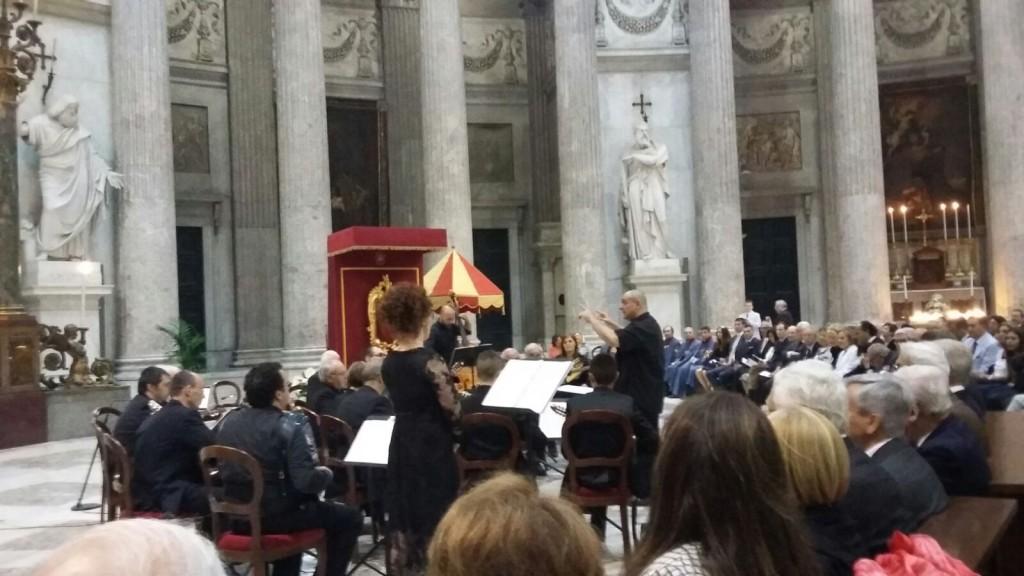 Napoli incantata dai mandolini di Ripalimosani
