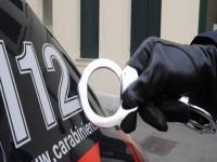 I carabinieri arrestano un minorenne alla guida di un'auto rubata