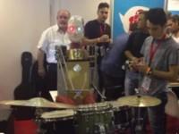 Il robot batterista molisano si impone nella mostra 'Maker Faire'