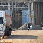 Carichi sospetti, fermati due camion da Hera alla Colacem