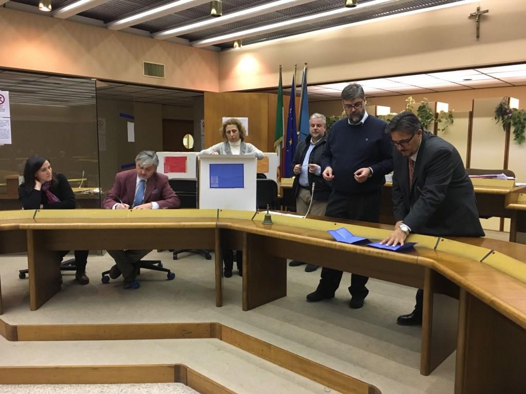 Consiglio provinciale di Isernia, un insolito pareggio: ecco cosa accadrà a via Berta