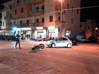 Scontro tra auto e moto, ferito centauro