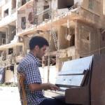 Musica per la speranza, Aeham Ahmad sul  palco del Teatro Savoia