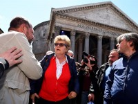 Il decreto che abolisce i voucher è legge, ora stop al referendum