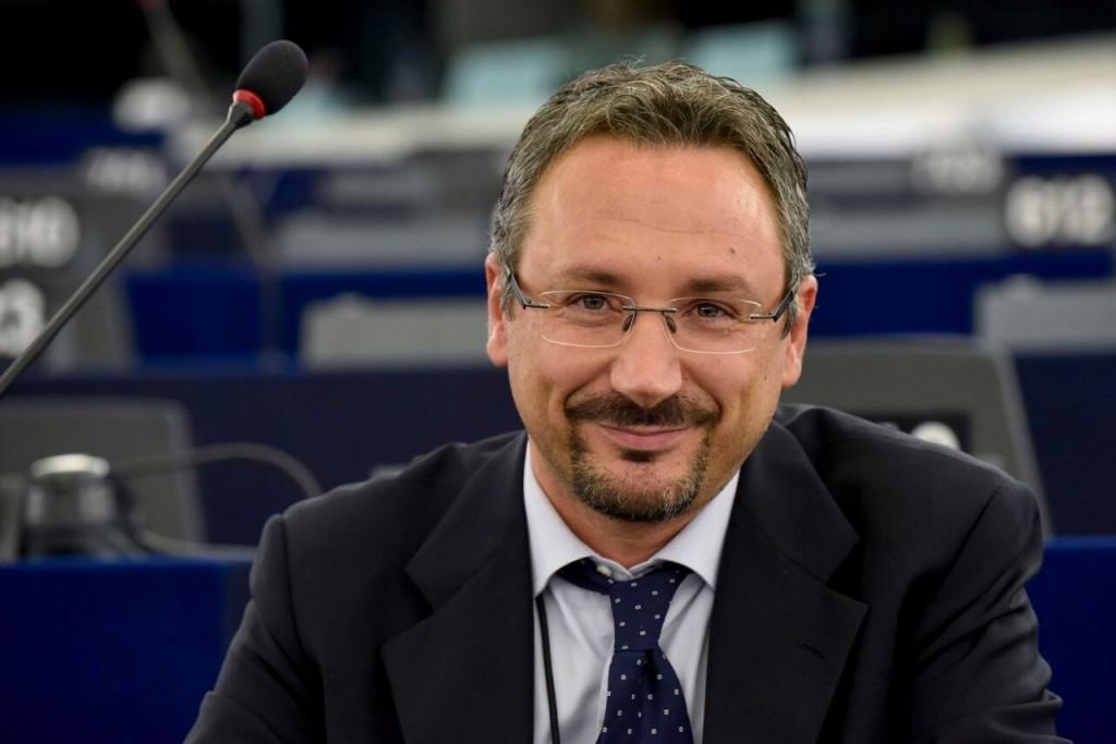 M5S discute di salute e ambiente, arriva l'eurodeputato Pedicini
