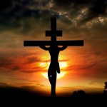 Di fronte al tradimento e alla violenza dei suoi carnefici Gesù continuò ad amarci