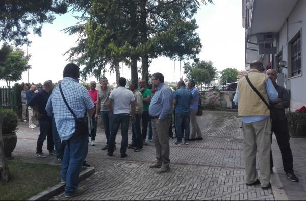 Gli ex dipendenti dello Zuccherificio a Palazzo d'Aimmo: vogliamo un lavoro