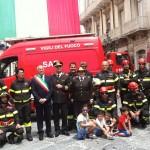 Abili e coraggiosi: i Vigili del fuoco incantano grandi e piccini con 'Pompieropoli'