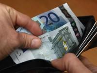 La crisi svuota i portafogli: tiene il reddito medio, crolla la ricchezza totale