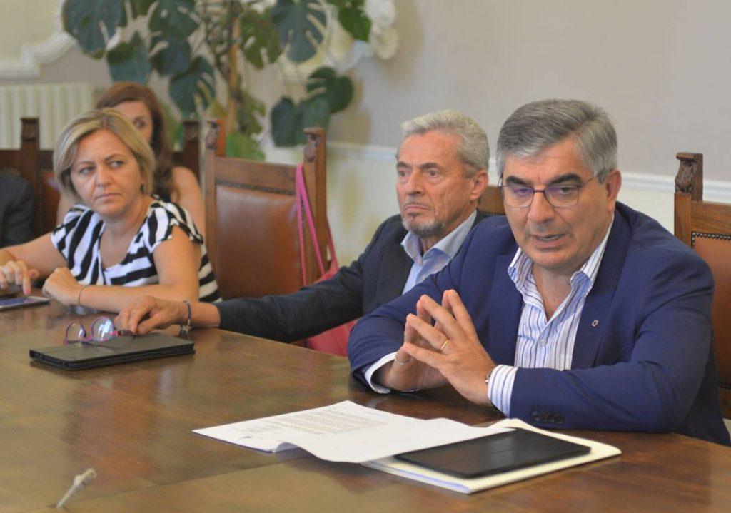 Sottosegretari, i 5s opzionano il Molise e il Pd blinda l'Abruzzo