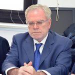 «Siamo in mano alla mafia e Frattura pensa alla legge elettorale»