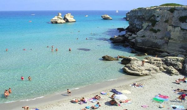 Vacanze, molisani tra Salento e Sardegna