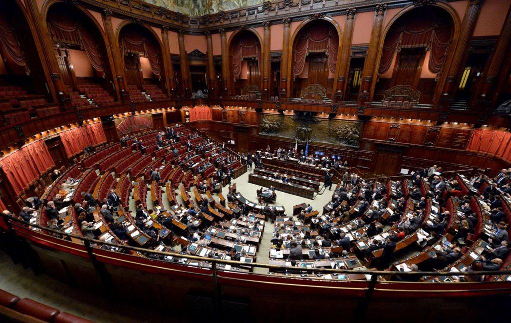 Uno a Berlusconi e uno a Renzi: la simulazione sui collegi maggioritari
