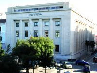 Campobasso, voleva decapitare la moglie: il giudice lo assolve