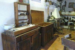 SAN PIETRO AVELLANA: RESTITUIRE LA DIRETTRICE AL MUSEO DELLE CIVILTÀ E DEL COSTUME D'EPOCA