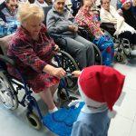 Campobasso, a Villa Anna anziani e bambini si prendono per mano