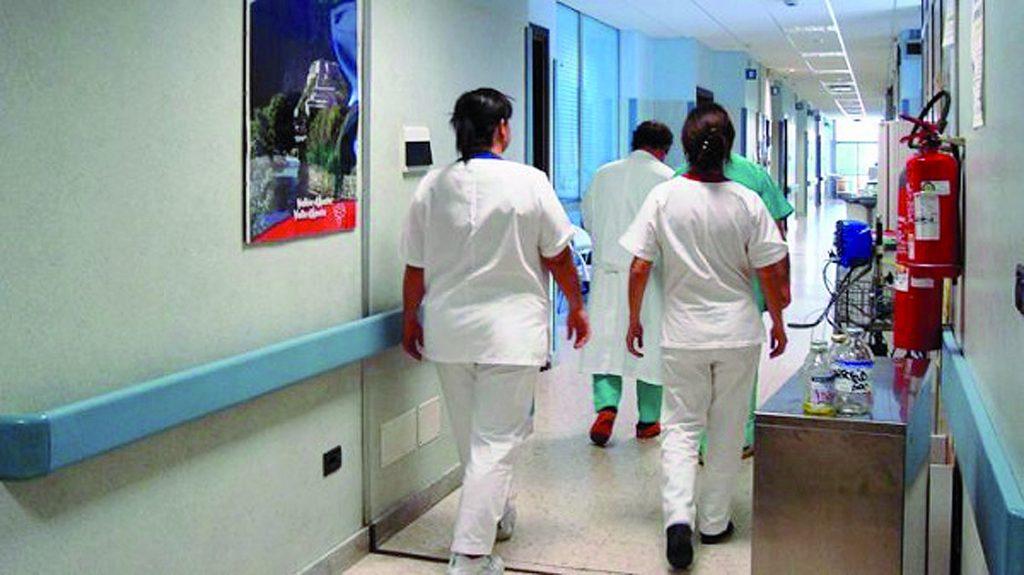 Lavoravano negli ospedali molisani senza iscrizione all'ordine: 34 denunce