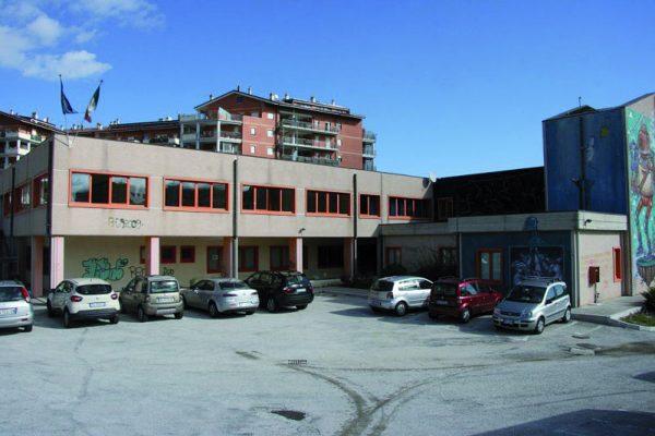 Arredi scolastici dalla regione 1 5 milioni di euro for Arredi scolastici