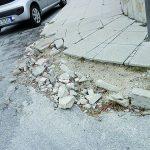 Campobasso, marciapiedi e aiuole in frantumi: 'colpa' del travertino