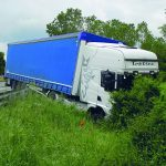 San Polo, tir senza conducente finisce fuori strada: tragedia sfiorata