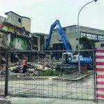 Isernia, ruspe in azione per abbattere le case popolari di San Leucio