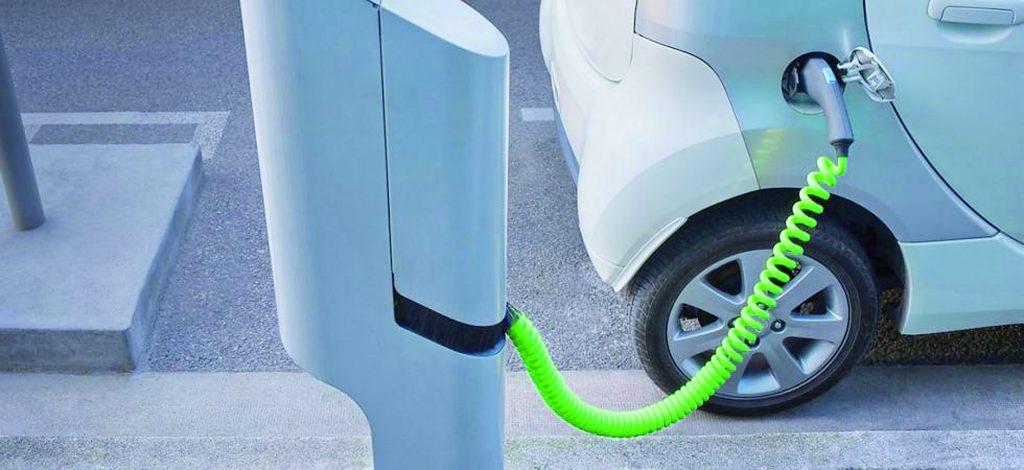Colonnine per le auto elettriche a Campobasso, c'è l'intesa con Enel