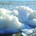 Schiuma bianca a Termoli, l'Arpam: le acque sono balneabili