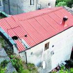 Cerro al Volturno, macigno sul tetto: il sindaco sgombera casa