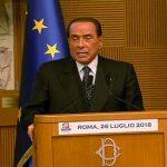 Nuovo corso azzurro, Berlusconi serra le file