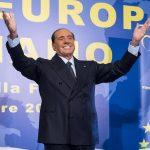 Il manifesto di Berlusconi che rilancia Forza Italia «Mi candido alle Europee»