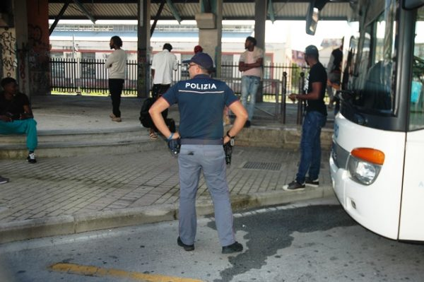 Isernia, terminal bus sempre più luogo di spaccio: fermato nigeriano