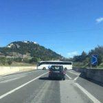 Campobasso, passeggeri dimenticano i documenti in auto e il pullman fa un'inversione vietata
